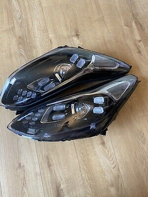 Pair Of Front Headlights For Kia Sportage  • 300£