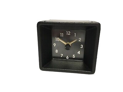 Vauxhall Square Dashboard Clock. 90243442  • 19.49£