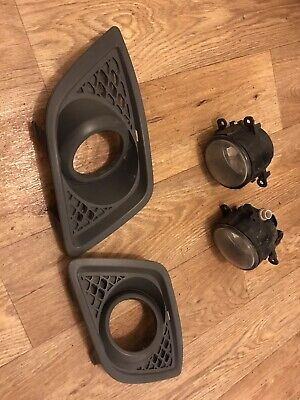 Ford Fiesta Mk6 Front Foglights Foglamps X2 With Surround Trims (genuine Ford) • 40.50£