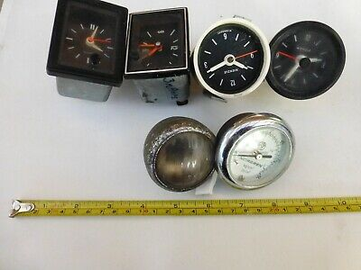 Old Car Clocks And Other Parts • 10£
