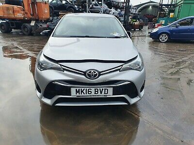 2015 - 2018 Toyota Avensis Mk3 Second Face Lift Front Bumper In Silver Marks • 360£